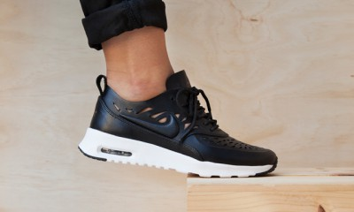 nike-air-max-thea-joli-black-white-pack-2