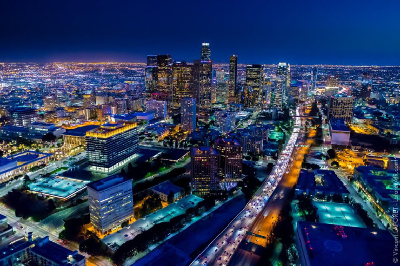 stunning-aerial-footage-photos-of-los-angeles-from-10000-feet-by-vincent-laforet-3